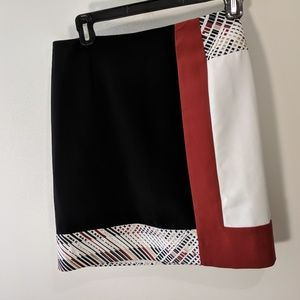 WHITE HOUSE BLACK MARKET MINI ABSTRACT SKIRT